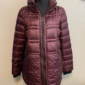 Bernardo down jacket with foldable zip away hood size XL